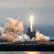 SpaceX veut envoyer deux passagers autour de la Lune fin 2018