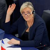 UE: les commissaires lancent la charge contre Le Pen