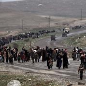 Irak : toujours plus nombreux, les civils fuient les combats à Mossoul