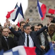 Devant ses soutiens, Fillon reconnaît des «erreurs» mais reste offensif