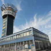 Les contrôleurs aériens poursuivent leur grève ce jeudi