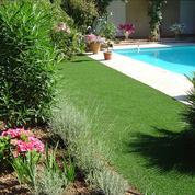 Jardin: du gazon synthétique aussi vrai que nature