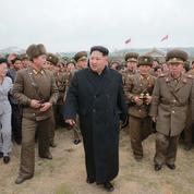 La mystérieuse femme qui murmure à l'oreille de Kim Jong-un