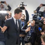 Pays-Bas: les libéraux de Mark Rutte battent largement Wilders