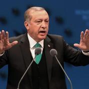 Ordinateurs en vol : après l'interdiction des États-Unis, Erdogan contre-attaque