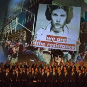 Los Angeles: stars et fans réunis pour rendre hommage à Debbie Reynolds et Carrie Fisher