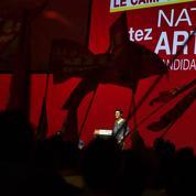Pour son grand meeting, Nathalie Arthaud s'érige en candidate communiste