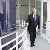 Accoyer dénonce le ralliement «contre-nature» de Montchamp à Macron