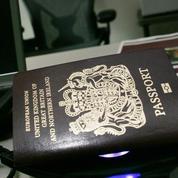 Royaume-Uni : la compétition est lancée pour fabriquer le passeport post-Brexit