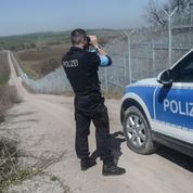 Avec les douaniers européens le long du «mur» bulgare