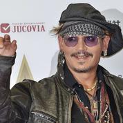 En pleine tempête, Johnny Depp s'invite à Disneyland pour Pirates des Caraïbes 5