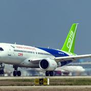 Le premier avion civil chinois effectue son premier vol