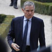 Accoyer fustige les déclarations «arrogantes» de Macron à l'égard des Républicains