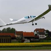Premier vol d'un nouvel avion solaire suisse