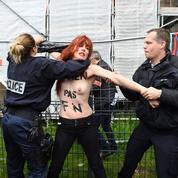 Présidentielle : les images de l'action des Femen à Hénin-Beaumont