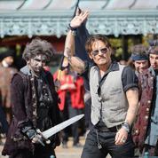 Johnny Depp réalise son rêve à Disneyland Paris avec l'équipe de Pirates des Caraïbes 5