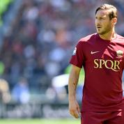 La légende de l'AS Rome, Francesco Totti, confirme son départ