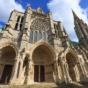 Les cathédrales et leurs chantiers éternels