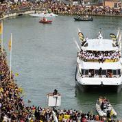 Le public rochelais réserve un accueil de folie à ses héros dans le Vieux-Port