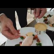 Les plats les plus spectaculaires : la poularde en vessie du Bristol