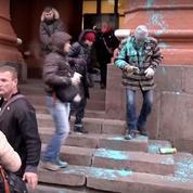 Russie : ces milices pro-Poutine qui harcèlent les opposants