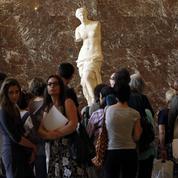 Vénus de Milo: la Grèce espère récupérer la statue, exposée au Louvre