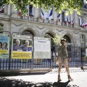 Quand les beaux quartiers de Paris succombent à la macronmania