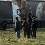 Pas-de-Calais : un chauffeur tué dans un accident provoqué par un barrage de migrants