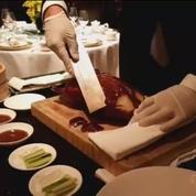 Les plats les plus spectaculaires : le canard laqué du Shangri-La