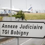 Pourquoi les étrangers non-admis en France seront bientôt jugés à Roissy