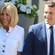 Emmanuel et Brigitte Macron au chevet des Vieilles Canailles