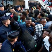Plus de 2700 migrants évacués des campements situés dans le nord de Paris
