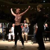 Woody Allen : des Femen interrompent son concert à Hambourg