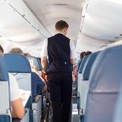 Air France: hôtesses et stewards signent un nouvel accord collectif