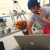 Le navigateur Guirec et sa poule fendent la glace sur le Web