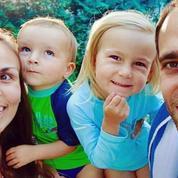 La famille Coste embarque des «compagnons» virtuels sur les routes du monde