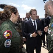 À Istres, Emmanuel Macron tente de rassurer les armées