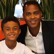 Le fils de Patrick Kluivert signe un contrat avec Nike... à neuf ans