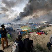 Migrants de Calais: Collomb dégaine un nouveau plan