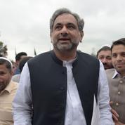 Au Pakistan, l'ex-ministre du Pétrole Abbasi élu premier ministre