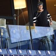 Neymar prend du bon temps à Saint-Tropez