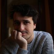 Suivez en direct le rassemblement en soutien au journaliste Loup Bureau