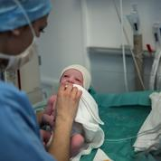 En France, quatre bébés sur cinq naissent dans seulement 200 communes