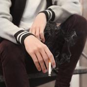 Terrorisme : le débat sur le tabac à l'intérieur des lycées relancé