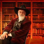Terry Pratchett: ses romans inachevés écrasés par un rouleau compresseur