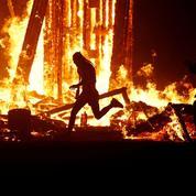 Burning man : un festivalier meurt brûlé dans les flammes