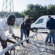 À Calais, les écueils d'une politique migratoire entre fermeté et humanité