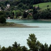 Disparition de Maëlys: les enquêteurs fouillent une rivière et un lac