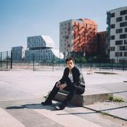 Charles Pasi, un nouvel album qui passe de l'harmonica au chant