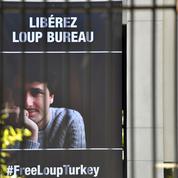 Le journaliste français Loup Bureau attendu dimanche matin en France